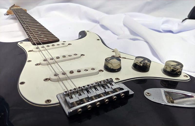 beginners guide to electric guitar what are the knobs